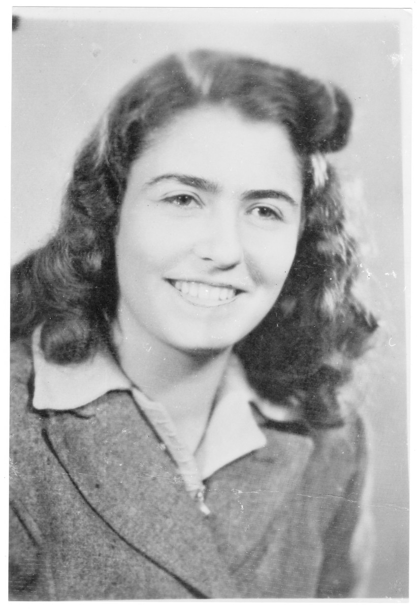 Portrait of Agnes Wertheimer (later Zahava Arieli), a member of the Hungarian Zionist youth resistance organization.