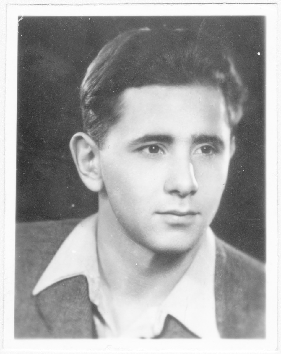 Portrait of Endre Grosz (later David Gur), a member of the Hungarian Zionist youth resistance organization.