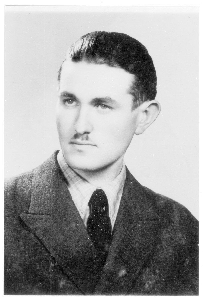 Portrait of Dezso Auslaender (later David Asael), a member of the Hungarian Zionist youth resistance organization.