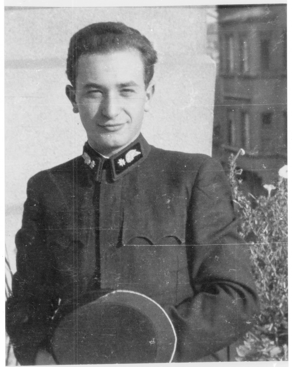 Portrait of Erno Teichman (later Efra Agmon), a member of the Hungarian Zionist youth resistance organization.