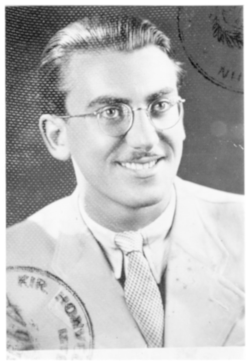 Portrait of Erno Schwartz (later Dov Shimoni), a member of the Hungarian Zionist youth resistance organization.
