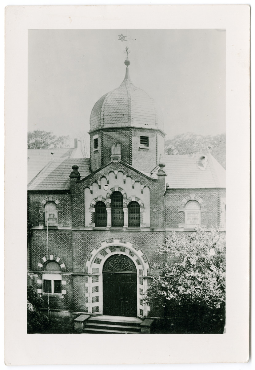 Exterior view of the large synagogue in Oldenburg.