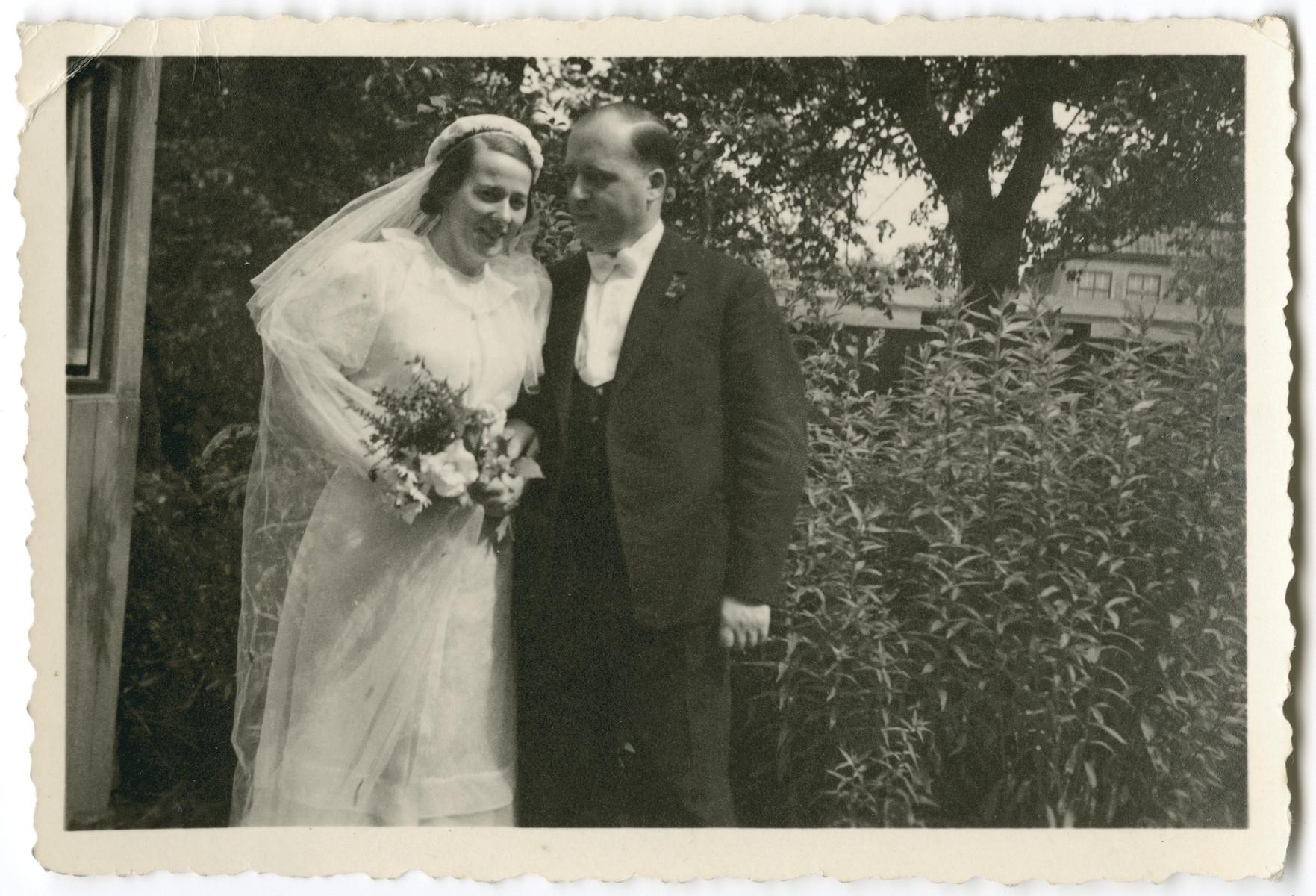Wedding portrait of Charlotte de Beer and her husband Herbert Herman Seligmann.