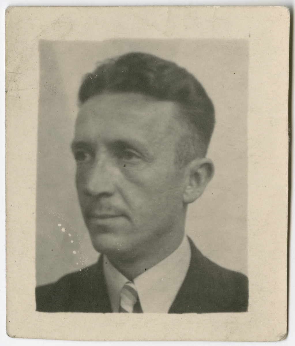 Portrait of Dick Onderweegs used on his false ID card.   Anne and Dick Onderweegs were members of the resistance in the Netherlands, where they assisted Jews in hiding.  These IDs were created to help them escape detection after they were denounced and sought for arrest. The Onderweegs resuced Louis de Groot.