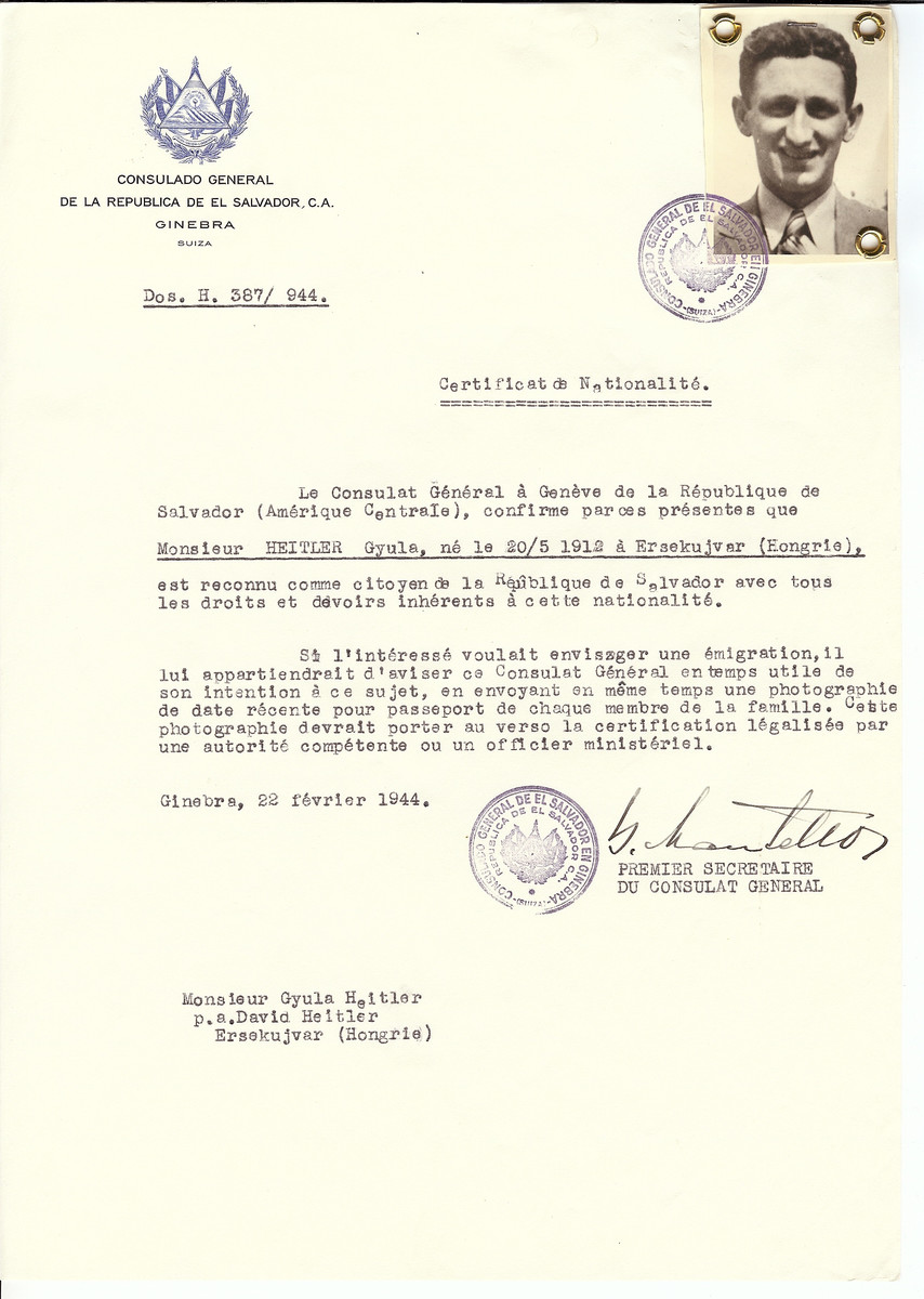Unauthorized Salvadoran citizenship certificate issued to Gyula Heitler (b. May 20, 1912 in Ersekujvar) by George Mandel-Mantello, First Secretary of the Salvadoran Consulate in Switzerland and sent to his residence in Ersekujvar.