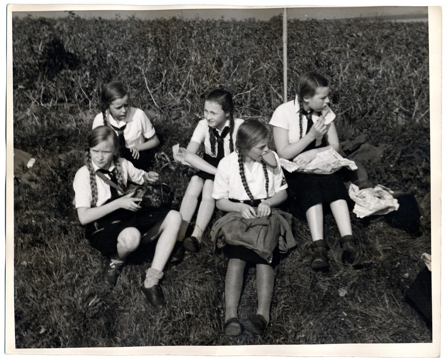 Nazi germany girls dating