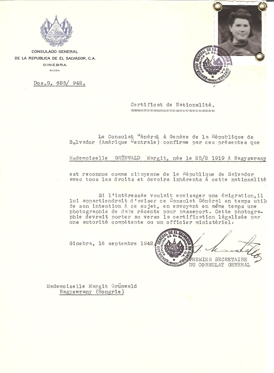 Unauthorized Salvadoran citizenship certificate made out to Margit Gruenwald (b. February 25, 1919 in Surany) by George Mandel-Mantello, First Secretary of the Salvadoran Consulate in Geneva and sent to her in Surany.