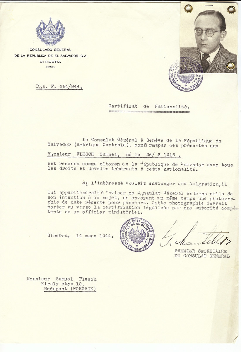 Unauthorized Salvadoran citizenship certificate made out to Samuel Flesch (b. March 26, 1916) by George Mandel-Mantello, First Secretary of the Salvadoran Consulate in Geneva and sent to him in Budapest.