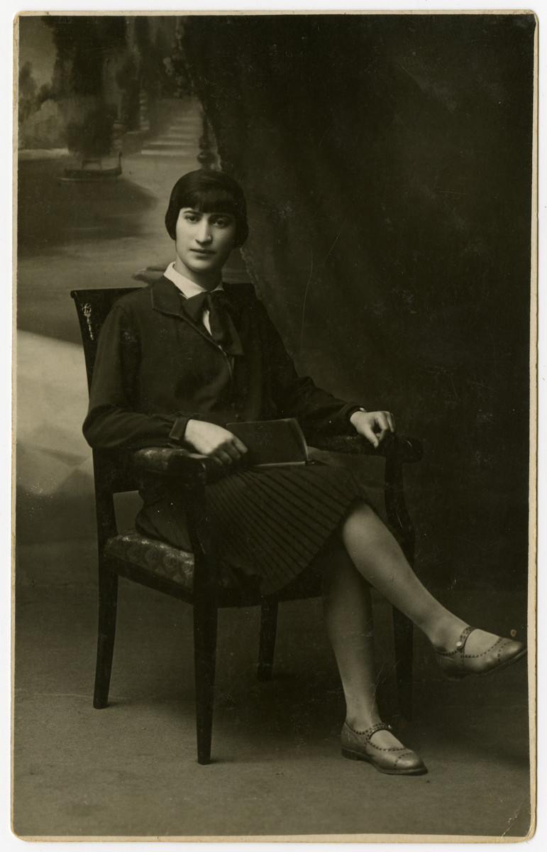 Studio portrait of Miriam Mirla.