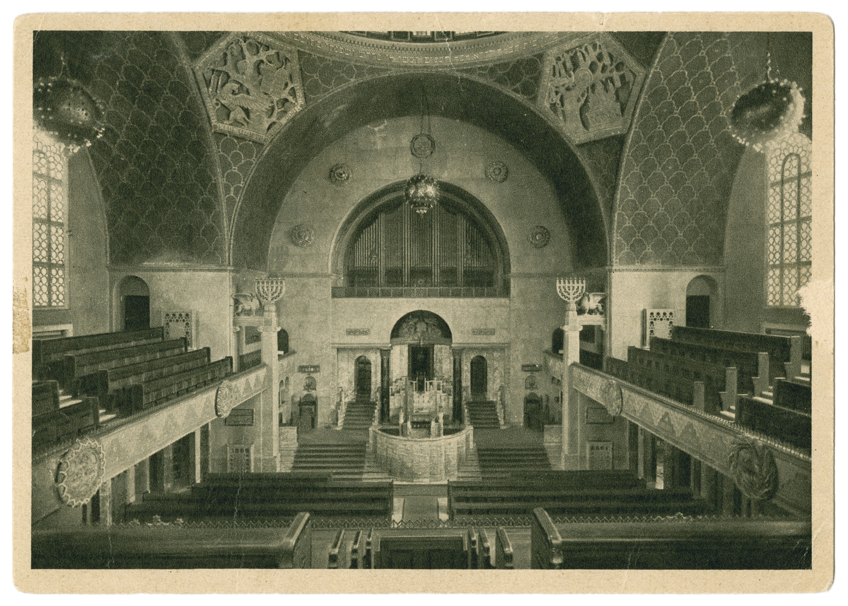 Interior view of the main sanctuary of the Augsburg synagogue.