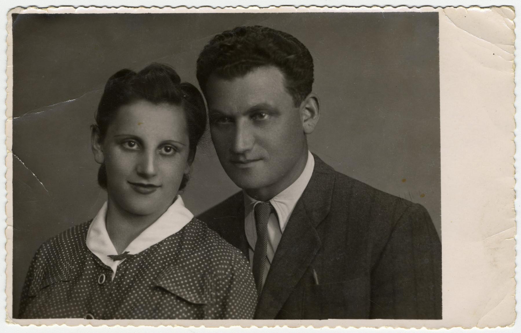 Studio portrait of Tuvia and Lilke Bielski.