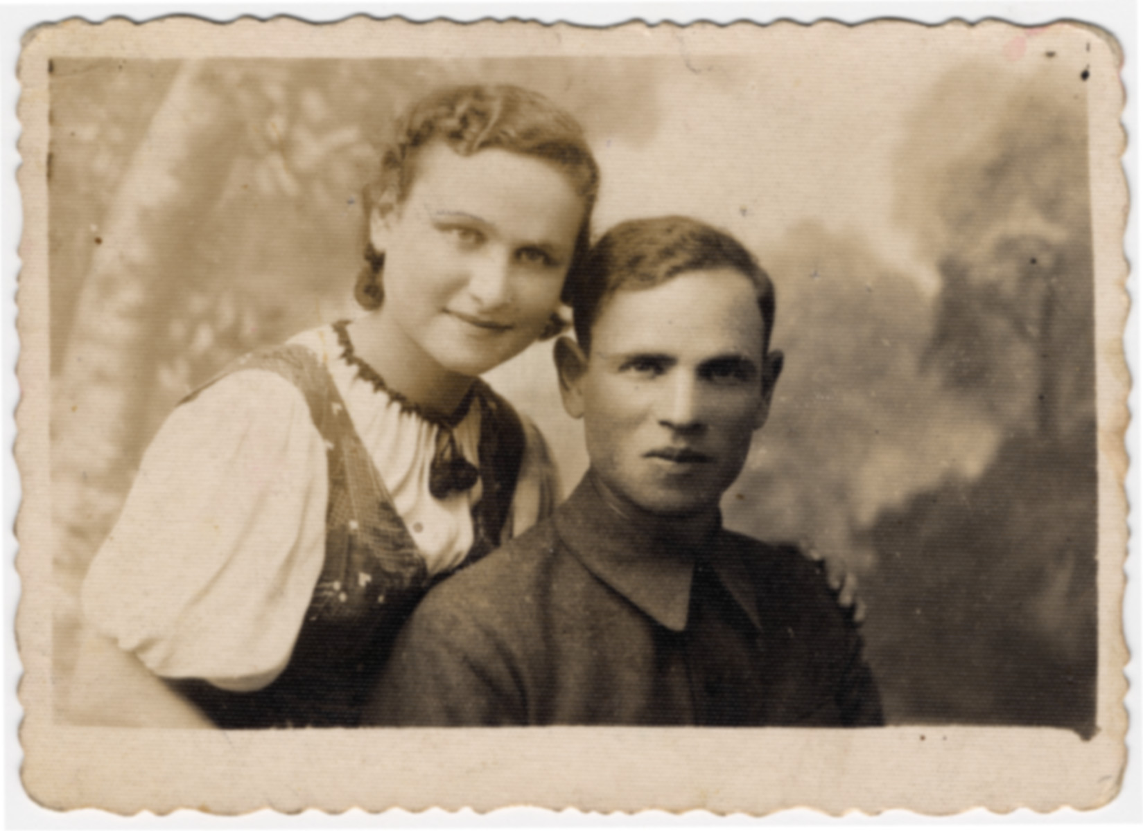 Studio portrait of Zus Bielski and his sister Estell (later Hersthal).  Estell was the youngest of the Bielski siblings.  She survived the war in the Soviet Union.
