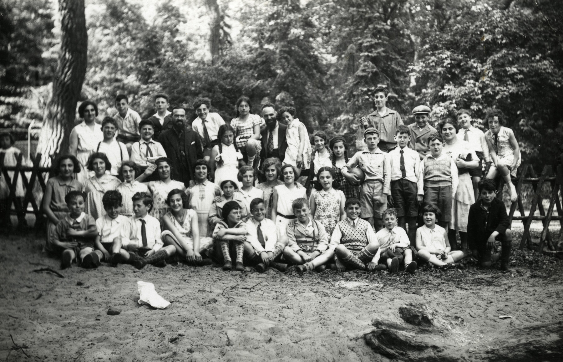 Group portrait of children from the Amsterdam Jewish school taken during a class outing.
