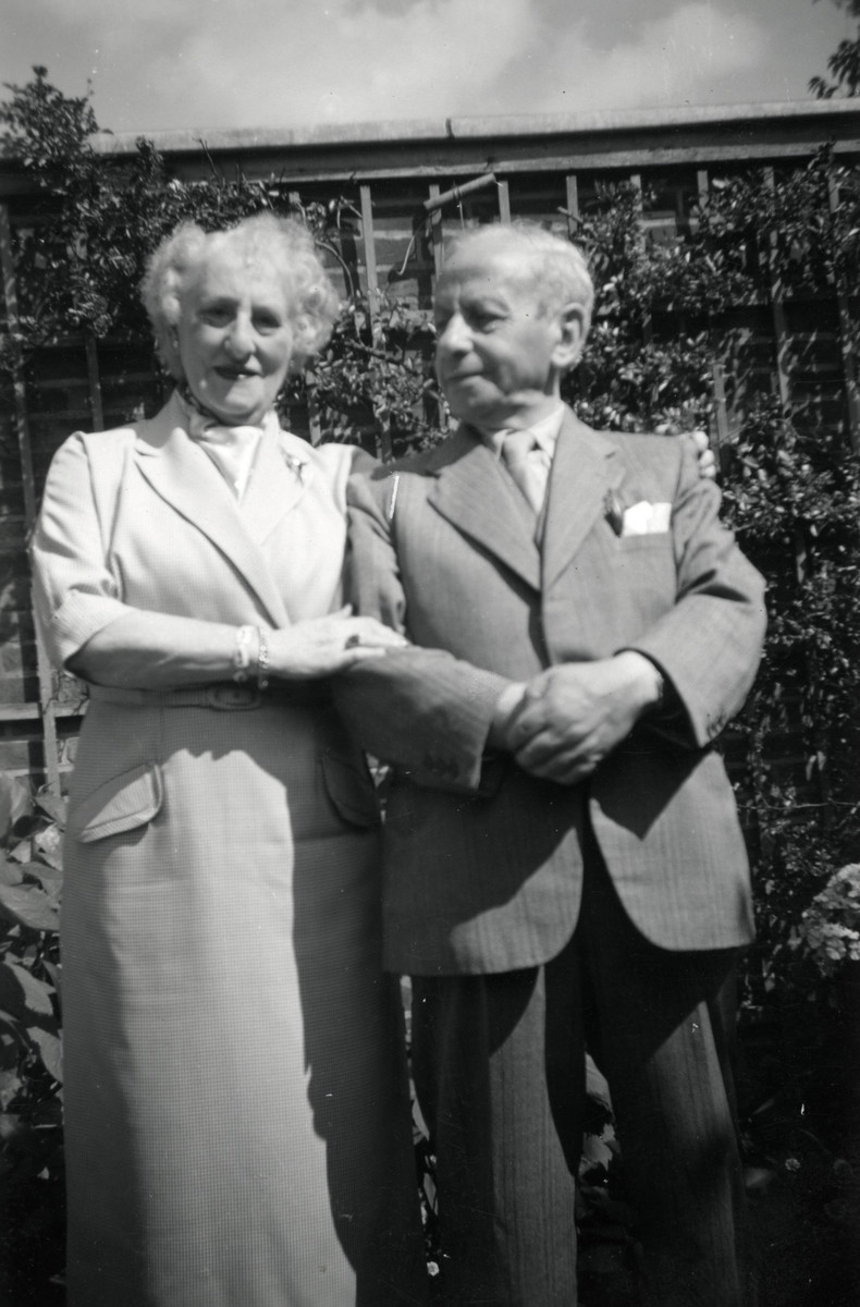 "Portrait of ""Aunt"" Betty and ""Uncle"" Drielsma., the elderly couple who cared for the Birnbaum children upon their arrival in The Netherlands."