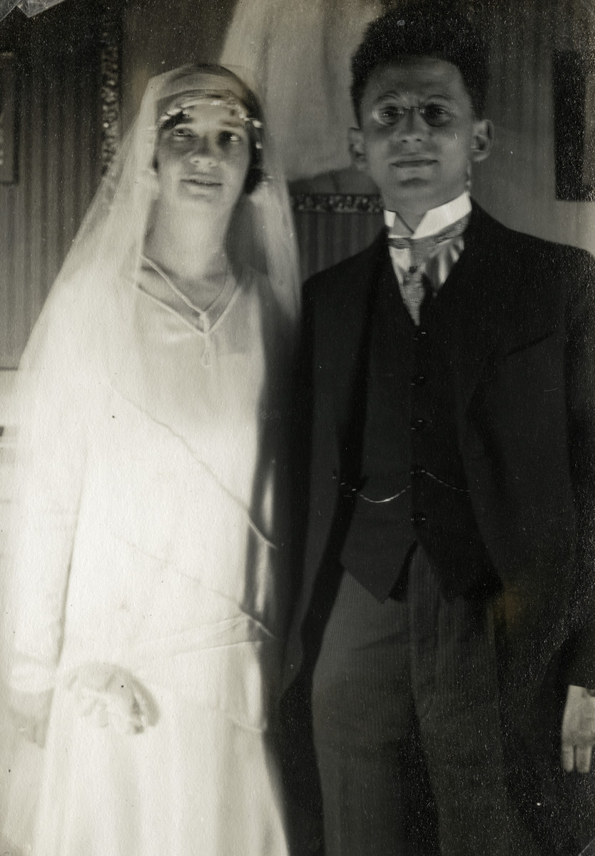Wedding portrait of Joseph and Else (Buchenbacher) Mossel.