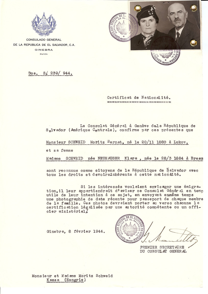 Unauthorized Salvadoran citizenship certificate issued to Moritz Bernat Schweid (b. November 20, 1880 in Lukov) and his wife Klara (nee Neuhauser) Schweid (b. March 28, 1884 in Bresz) by George Mandel-Mantello, First Secretary of the Salvadoran Consulate in Switzerland and sent to them in Kassa.