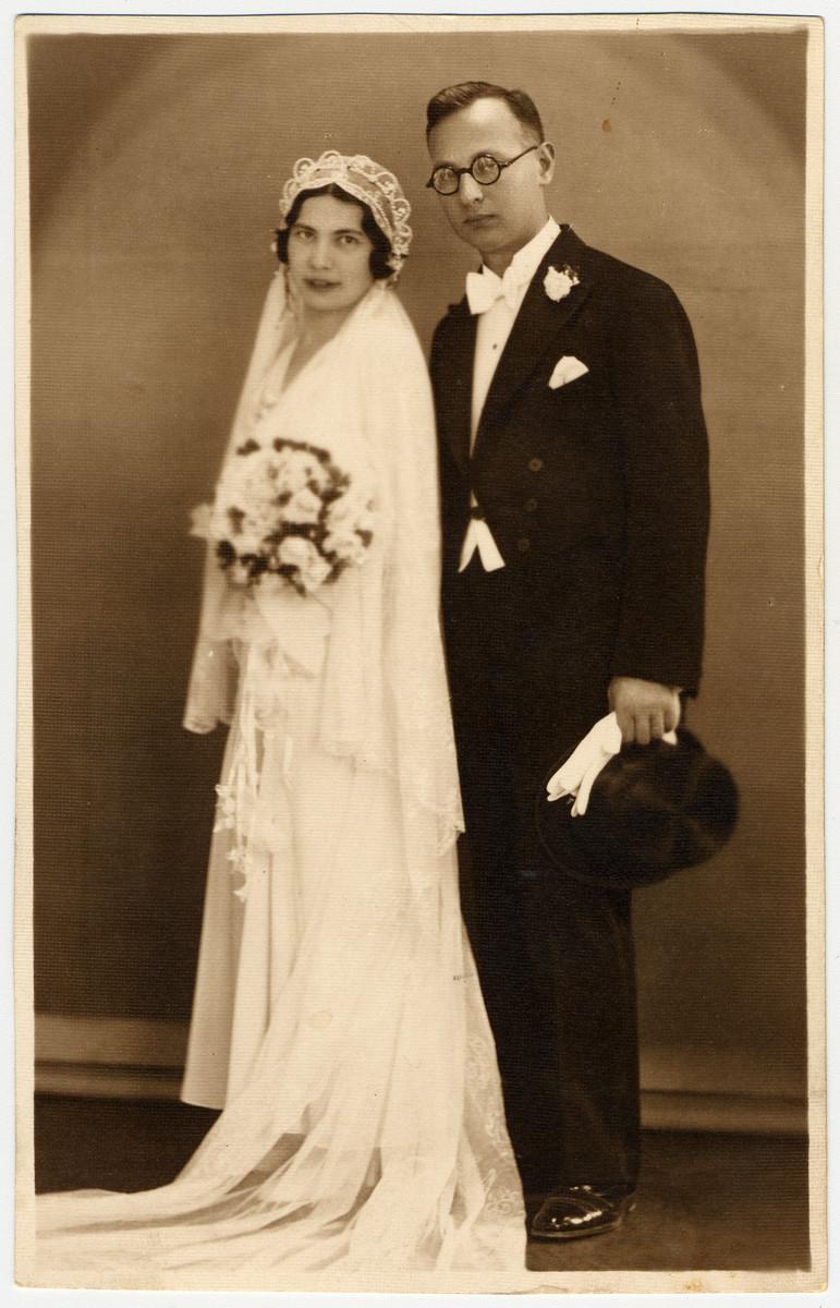 Studio wedding photograph of a Hungarian Jewish couple.  Pictured are Ella Lichtig and Lorand Schichtanz.