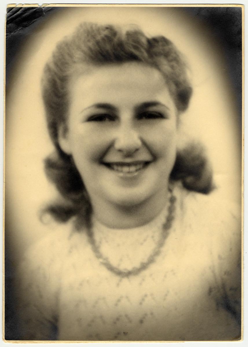 Postwar studio portrait of Elly van Leeuwen.
