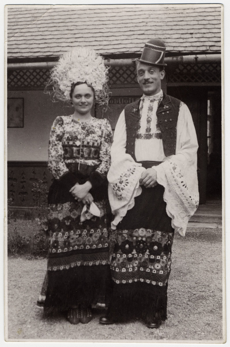 Livia Vermes and Bela Reiner pose in traditional Hungarian costumes while on their honeymoon.