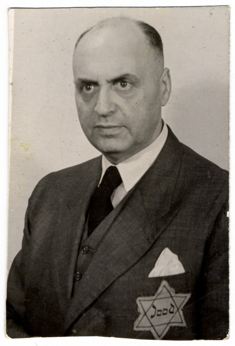 Studio portrait of Abraham Soep, a member of the Jewish Council (Joodse Raad).