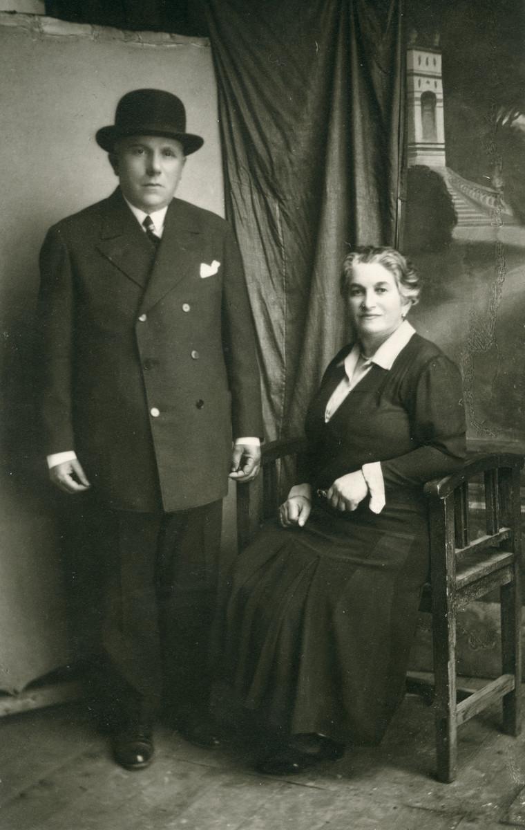 Studio portrait of Hanoch Heinrich Koviliak with his second wife.