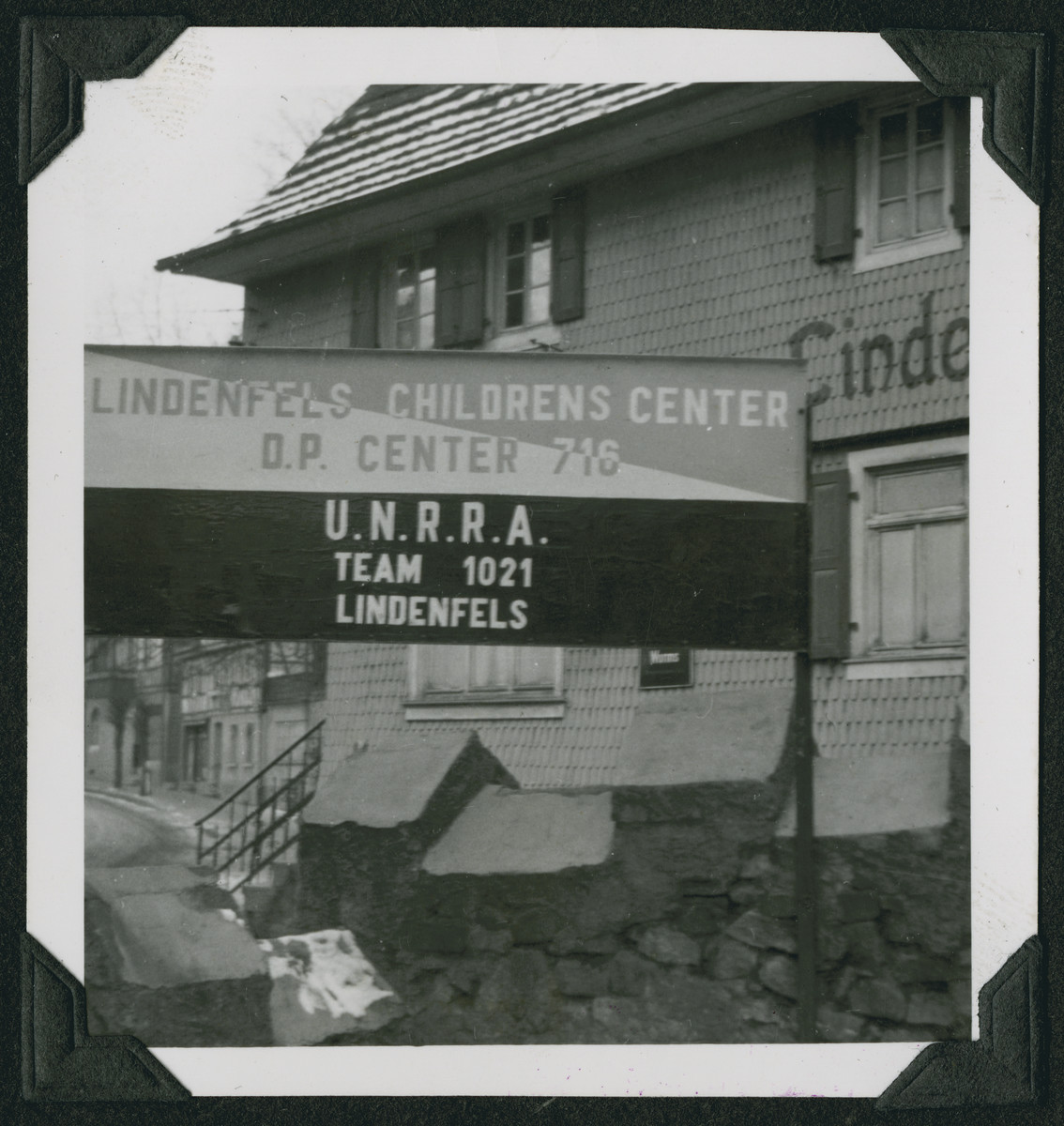 Entrance to the Lindenfels children's home.