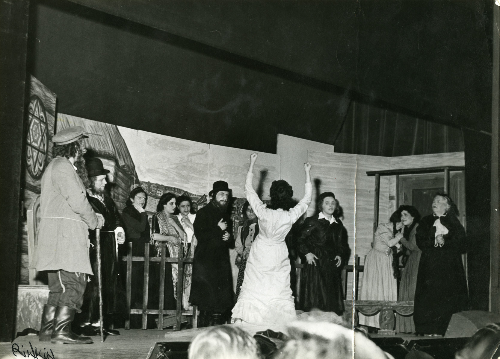 Abraham Kischinovsky performs in a Hassidic coat for the Yiddish theatre.
