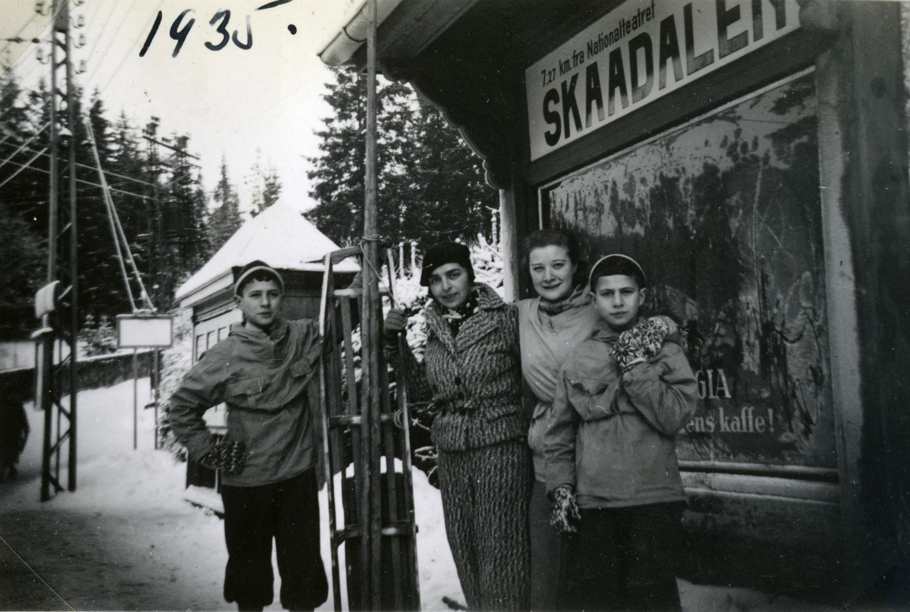 Idit Scheirmeister visits her cousins in Norway.