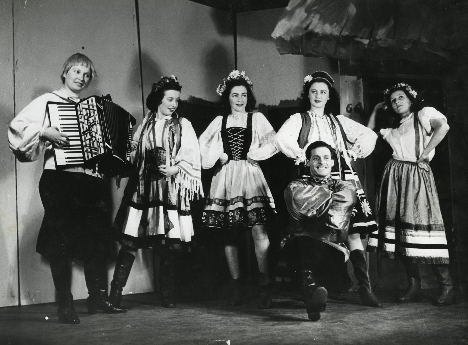 Abraham Kischinovsky dances the Mazurka in the Yiddish Theater in Sweden.