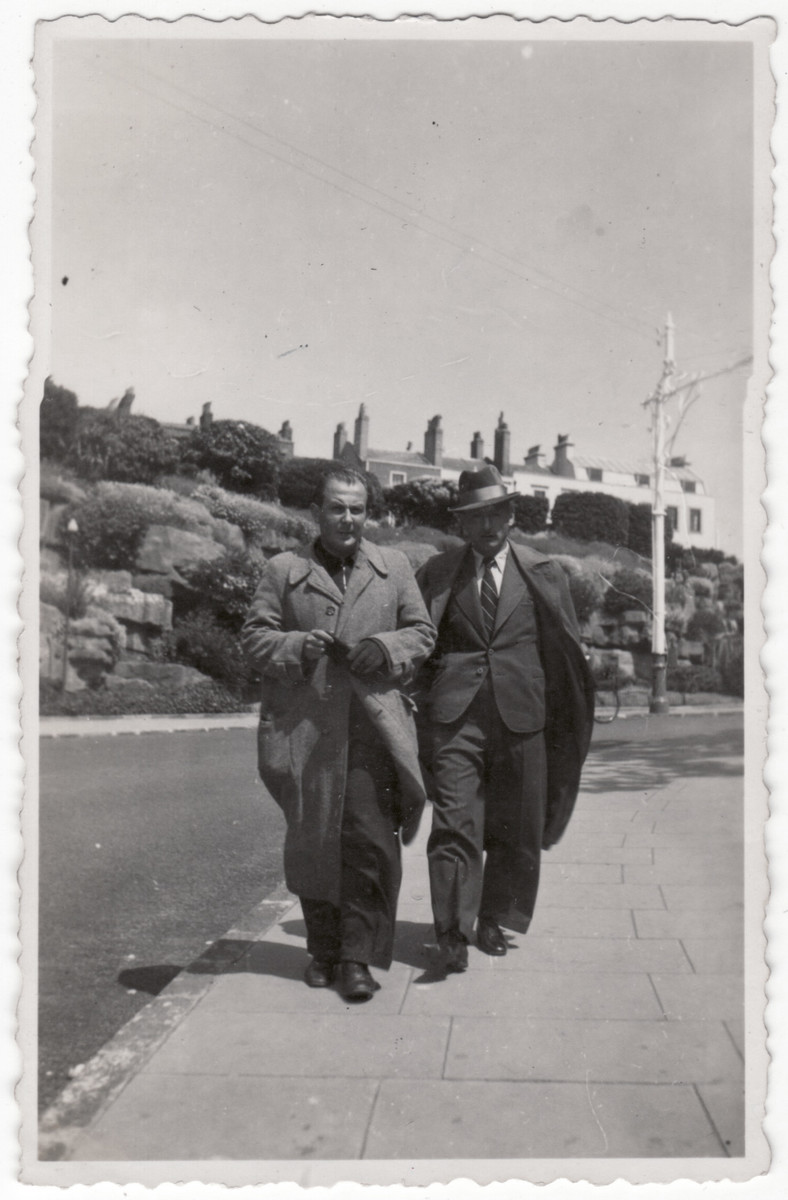 Two German-Jewish refugees from the Kitchener camp go on an excursion to nearby Ramsgate.  Pictured on the left is Siegfried Kulmann.