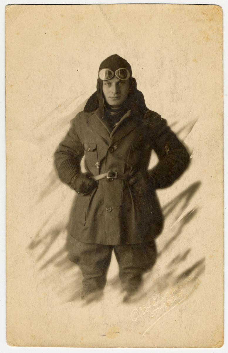 Studio portrait of Fritz Bujakowski, a German-Jewish aviator in World War I.