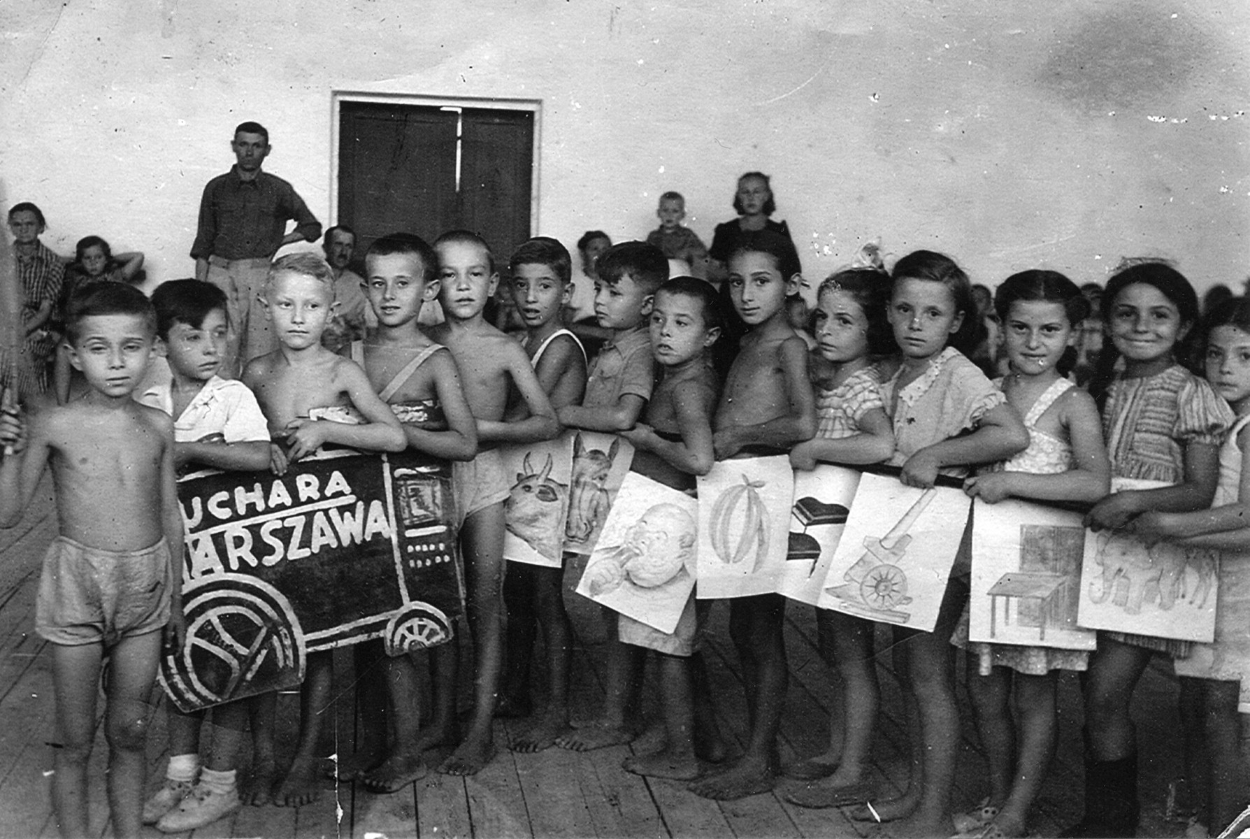 Zvia Korenzyer (fourth from right) and her classmates pose in Bukhara, Uzbekistan.