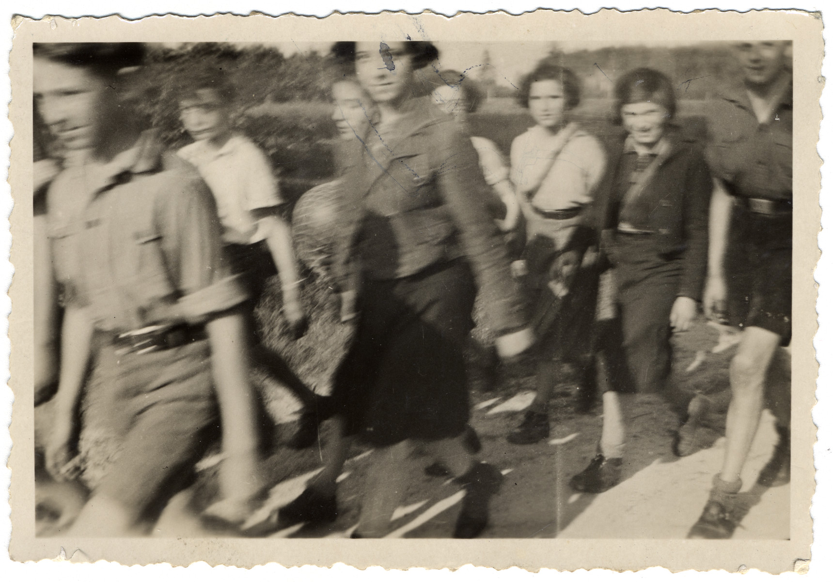 German Jewish teenagers [probably from Habomin] go for a walk in the countryside.