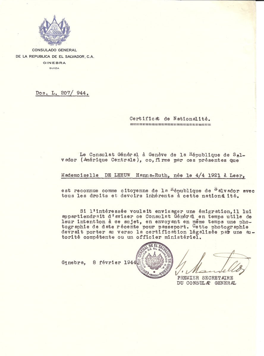 Unauthorized Salvadoran citizenship certificate issued to Hanna-Ruth de Leeuw (b. April 4, 1921 in Leer) by George Mandel-Mantello, First Secretary of the Salvadoran Consulate in Switzerland.