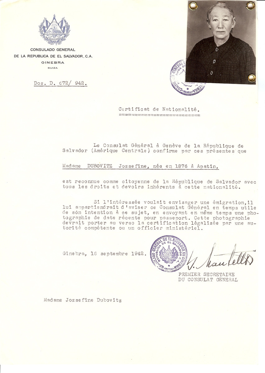 Unauthorized Salvadoran citizenship certificate issued to Jozsefine Dubovitz (b. 1876 in Apatin) by George Mandel-Mantello, First Secretary of the Salvadoran Consulate in Switzerland.