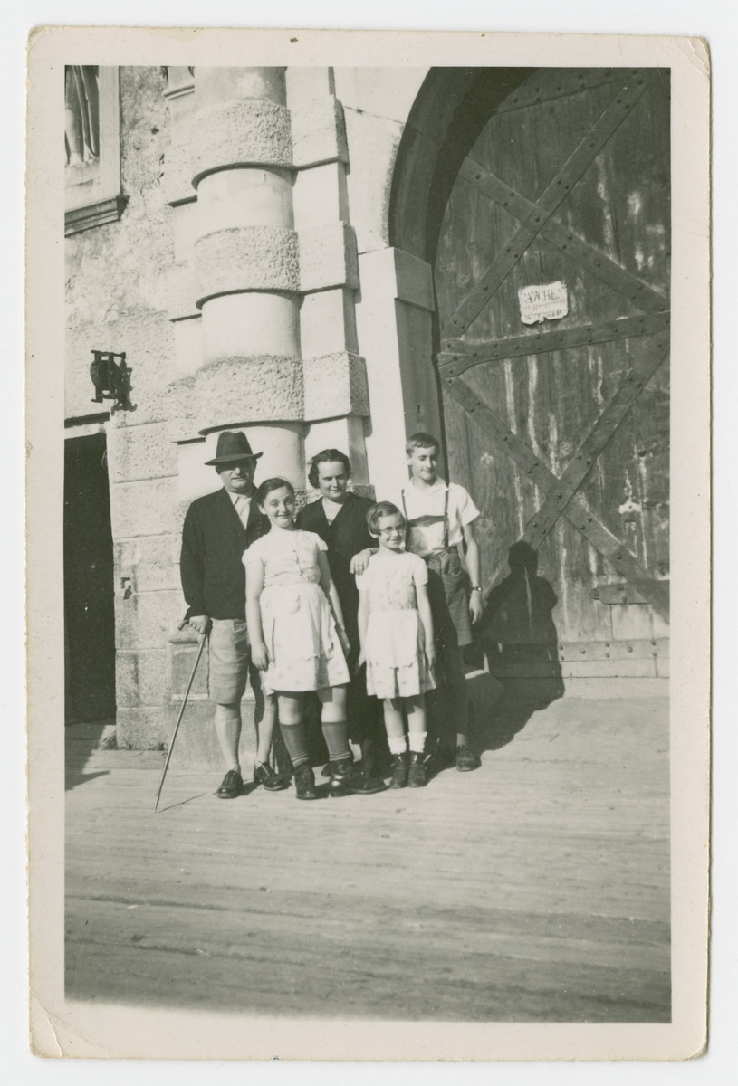 The Tauscher family poses on an excursion.  Pictured in the center are Trudie, Bertha and Alice Tauscher.  On the sides are Victor Stecher (Bertha's brother) and  his son Hans Stecher.
