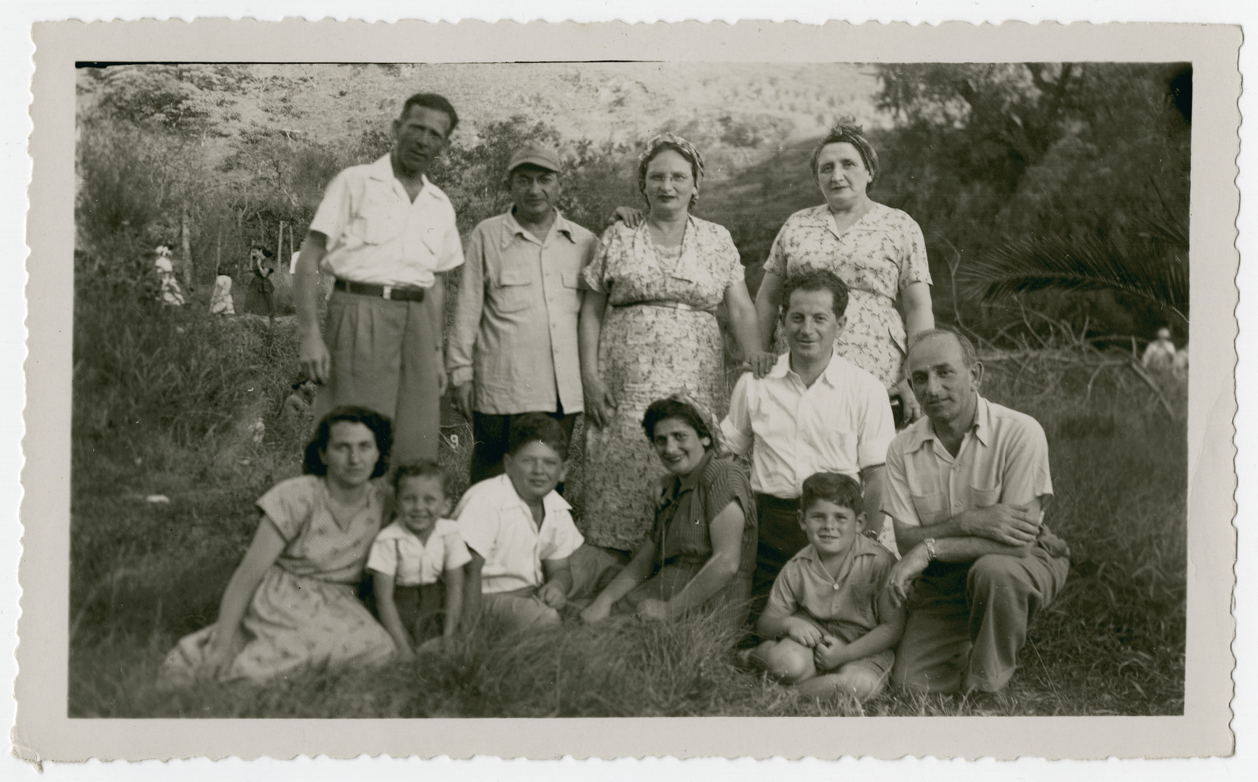 Group portrait of Jewish immigrants, primarily from Zelechow  Poland, in Costa Rica.