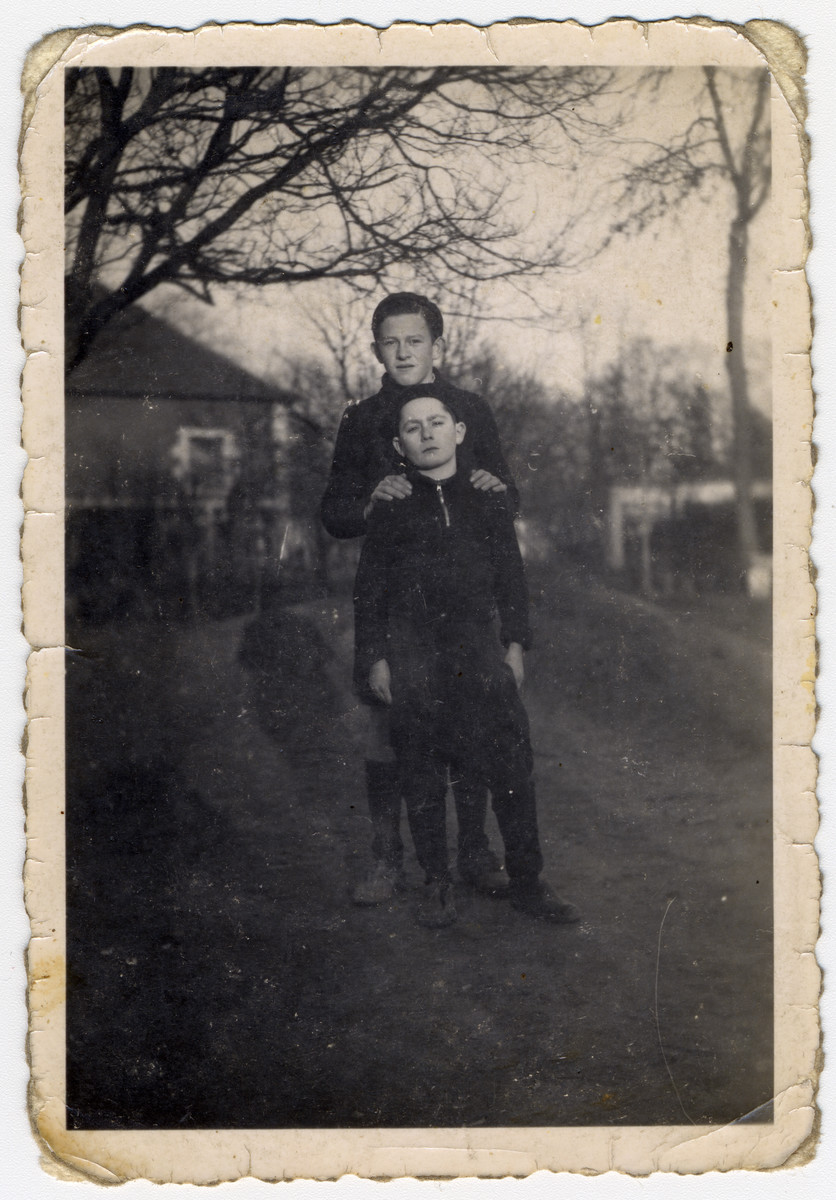 Raphael and Markus Horowitz pose on the grounds of the Chateau des Morelles.