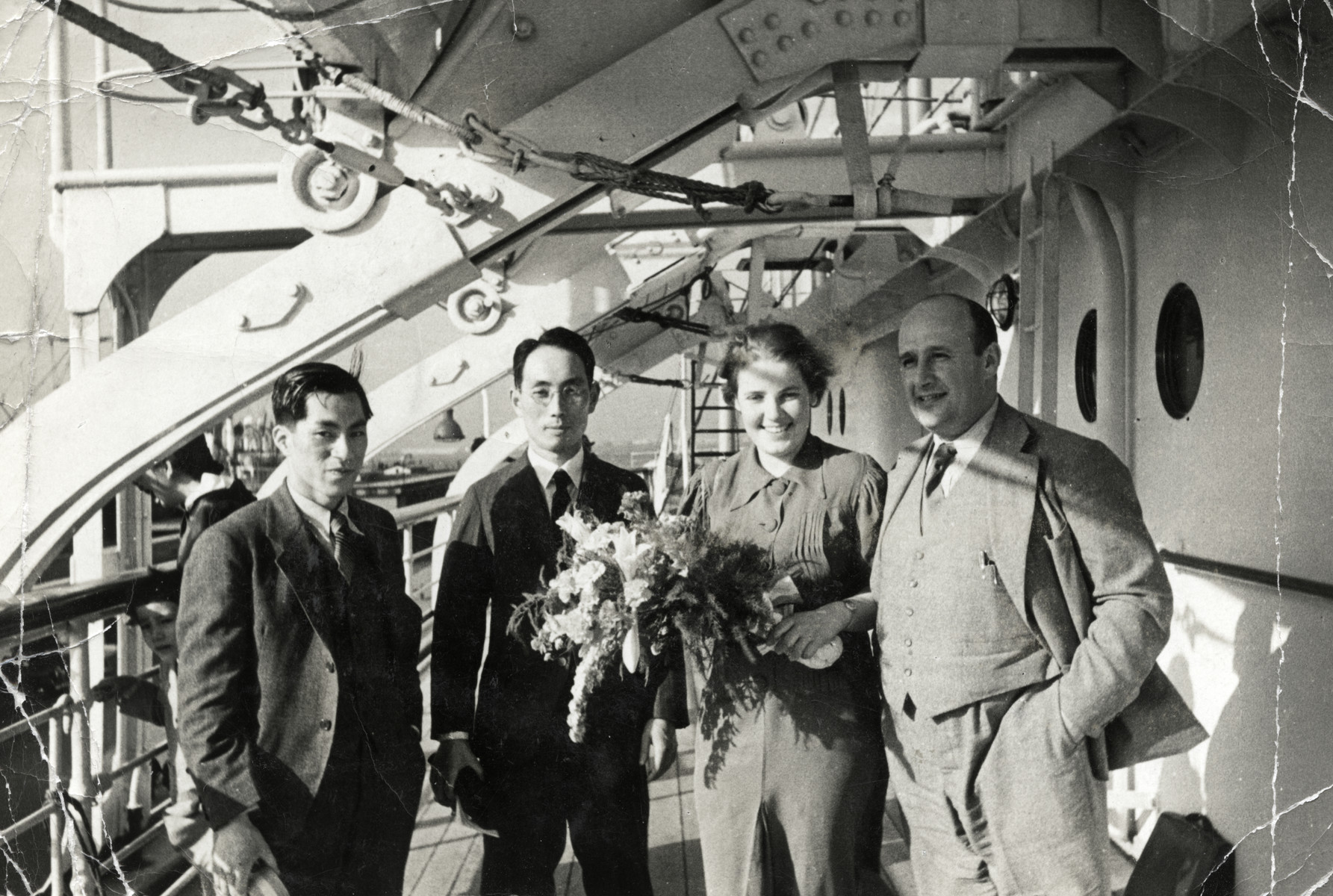 Felix and Eva Tikotin take leave of two Japanese friends after a trip to purchase artwork.