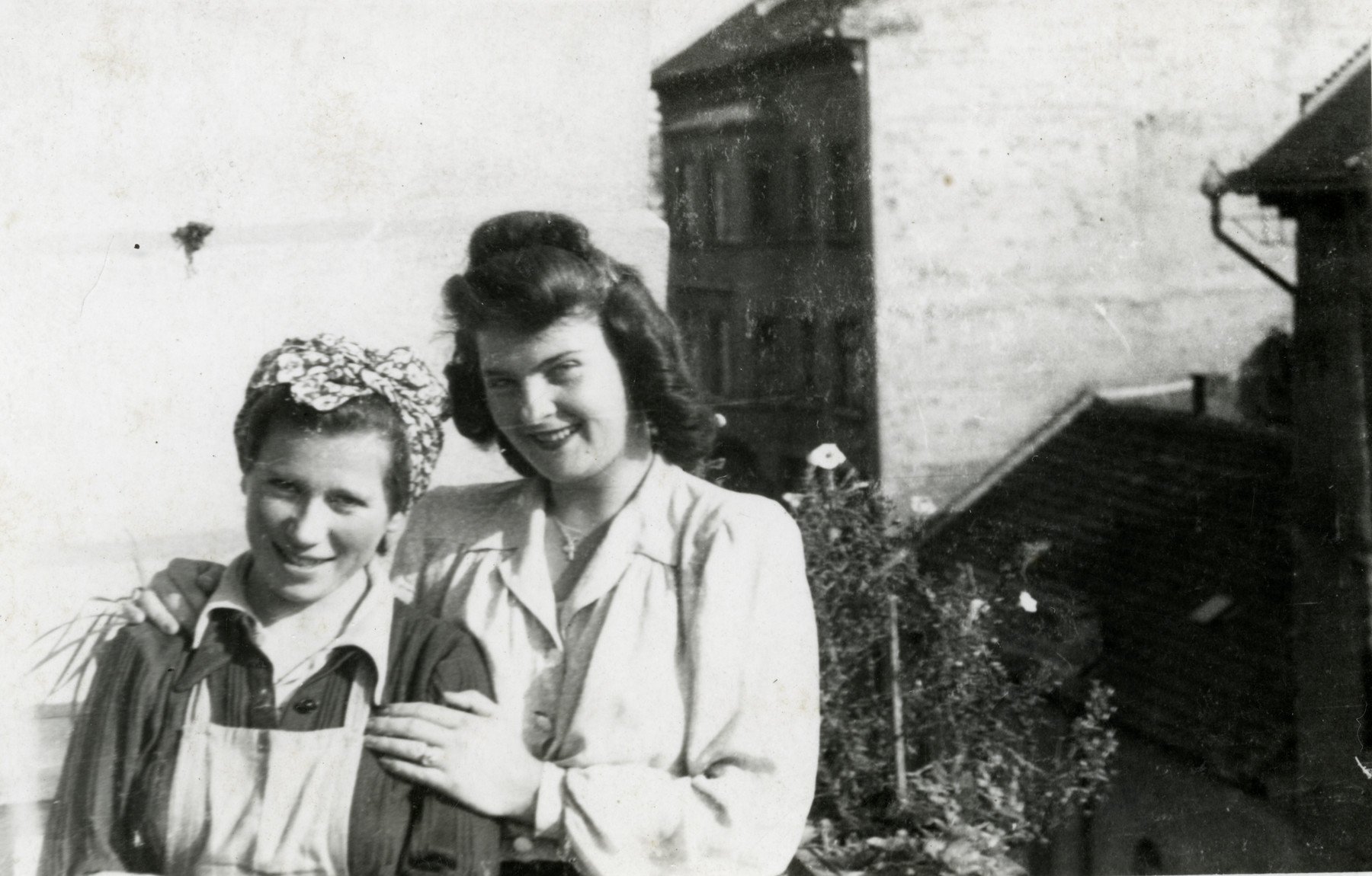 Tzippy Teichman (left) poses with Anushka, the care-taker of their apartment on 19 Retek Street.  For some weeks Tzippy and Ephraim allowed David Gur, their friend from the resistance, to manufacture false papers in that apartment.