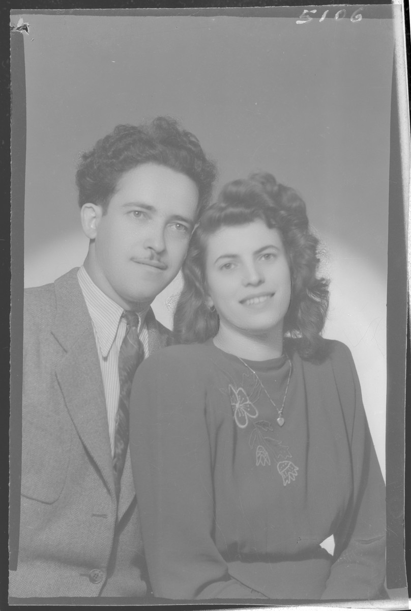 Studio portrait of Herman Junger and his [wife or fiancee].