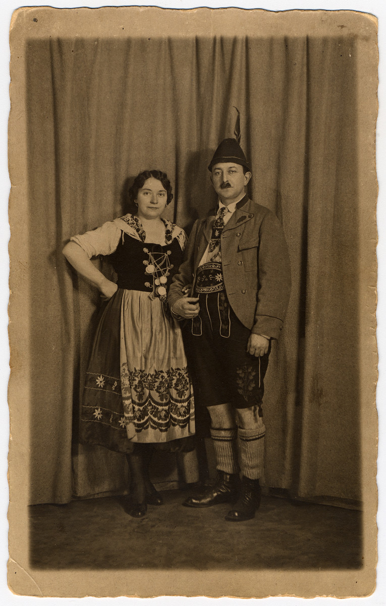 Frieda and Max Hanauer pose in their Lederhosen and Dirndl.