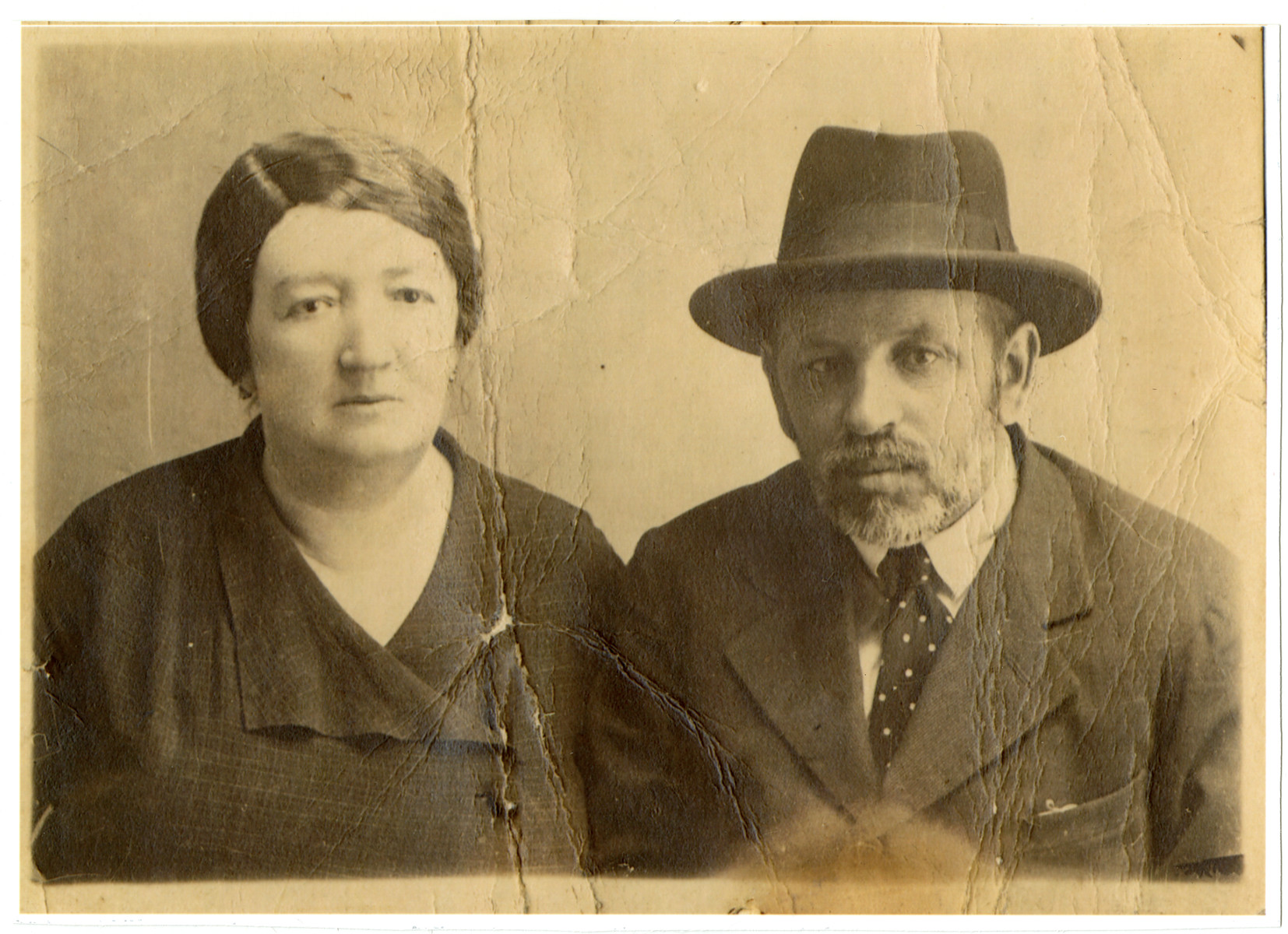 Studio portrait of Shlomo and Leah Spitzer, the parents of Alexander Sptizer.