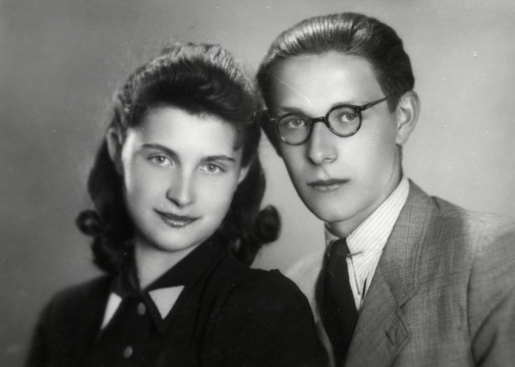 Studio portrait of brother and sister Katerina and Fritzi Eckstein.