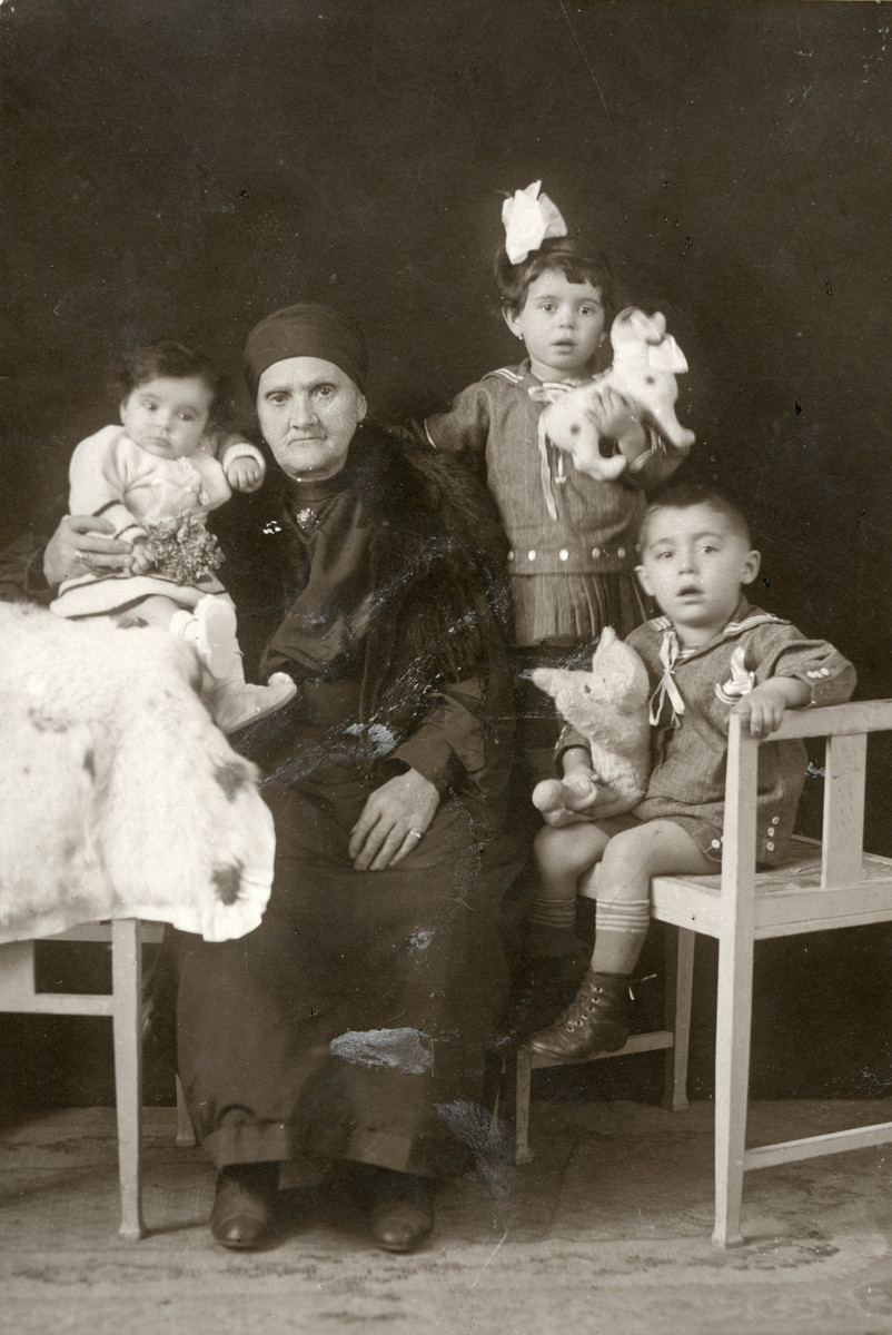 Mazal Tov Hajon, the donor's great grandmother, with her grandchildren (the chidlren of Elias Hajon and Matilda Finci Hajon).   They all perished in the Holocaust.