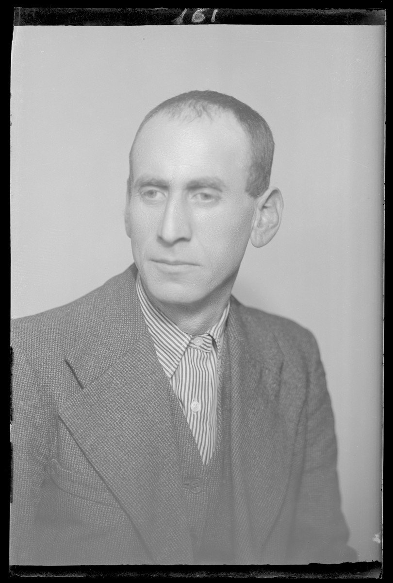 Studio portrait of Mor Gluck.