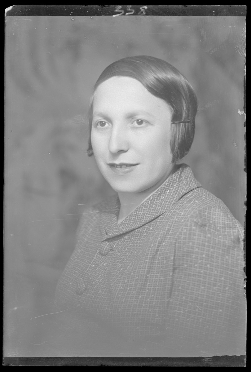 Studio portrait of Ergne Goldberg.