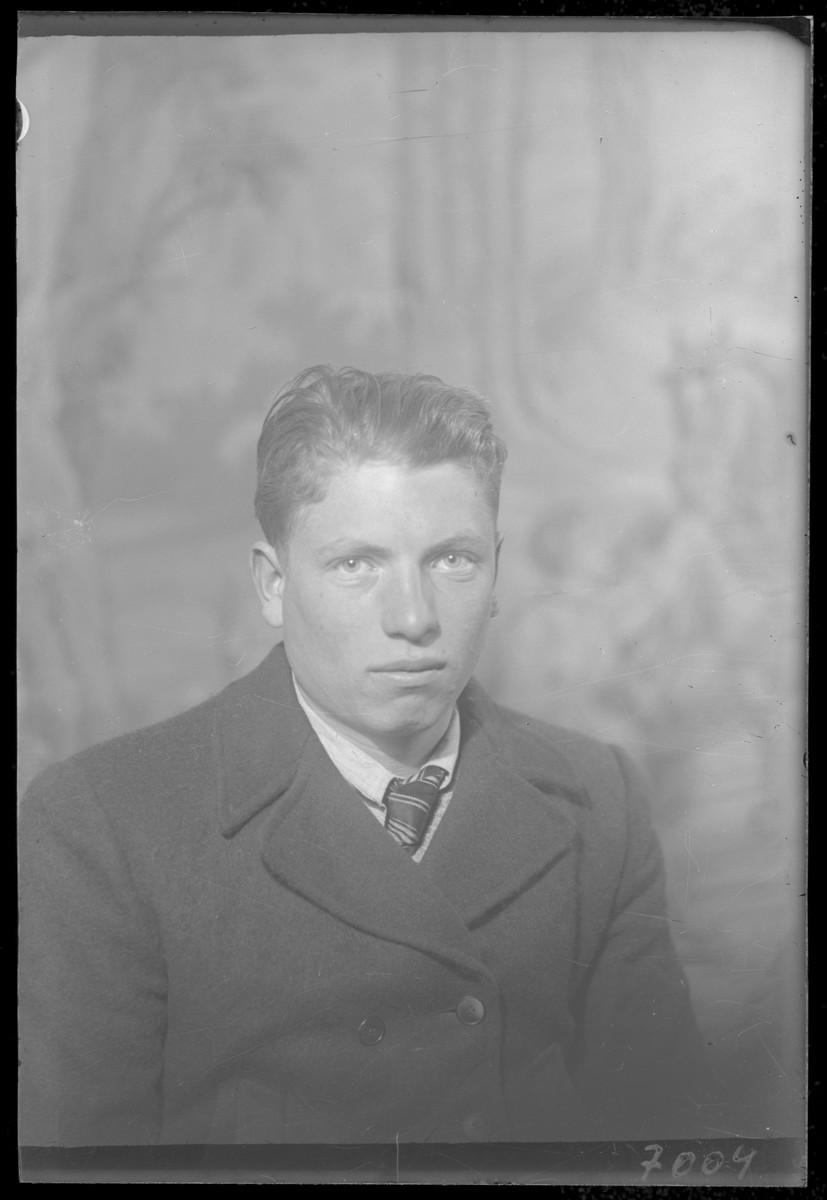 Studio portrait of Marton Goldstein.