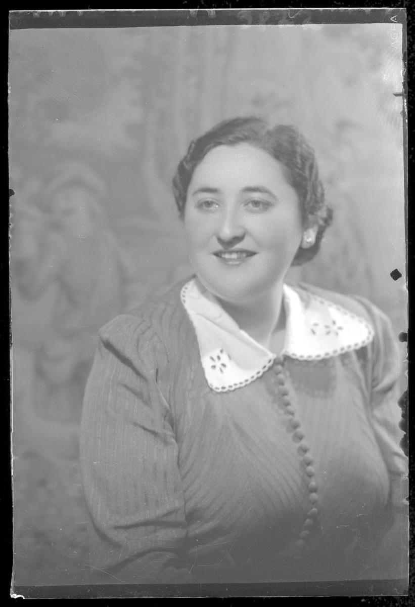 Studio portrait of Sandorne Friedman.