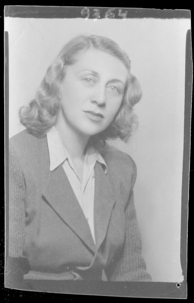Studio portrait of Ilona Gotlieb.